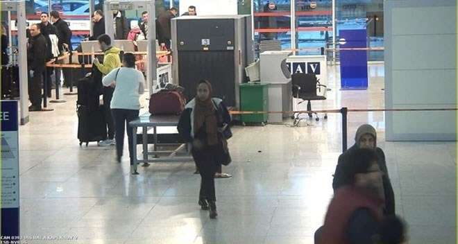 The Somali man, seen here in the security camera footage of the airport, was nabbed thanks to attentive police officers. (AA Photo)